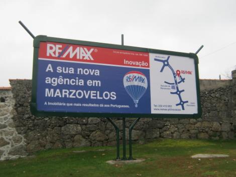 remax 8×3